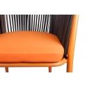 Silla de terraza Alfred con estructura metálica color Naranja y ratán sinténtico.
