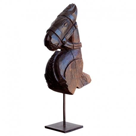 Figura antigua de madera con forma de Caballo