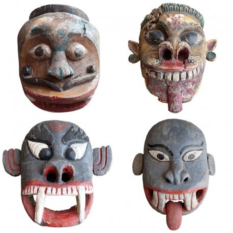 Máscaras Antiguas de origen asiático de dioses con bonitos colores