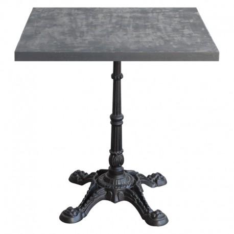 Mesa de bar con sobre acabado Cemento