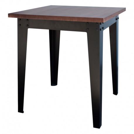 Mesa de bar estilo industrial con estructura metálica y sobre de madera de pino.