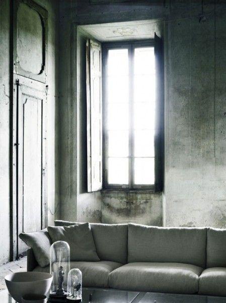 Salones con paredes de microcemento. http://designspiration.net/