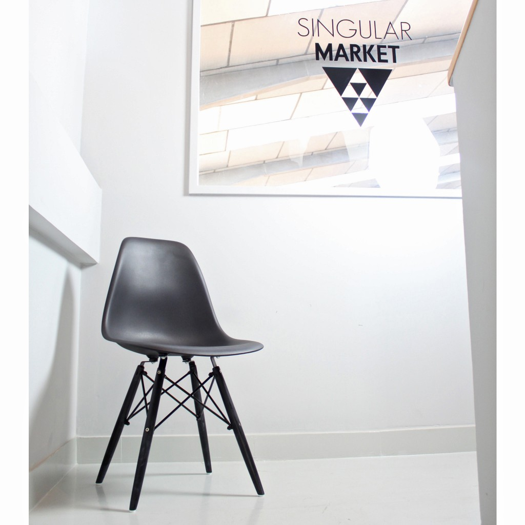 black wood chair1