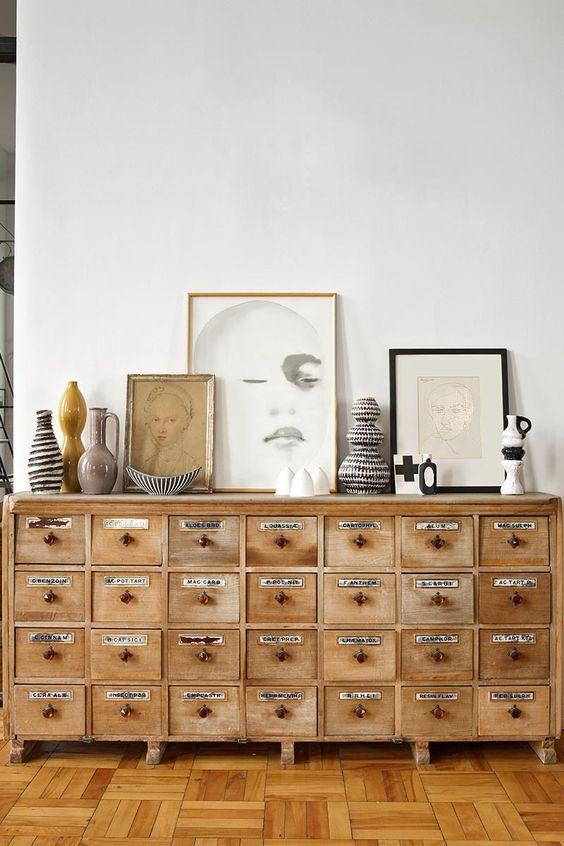 Muebles cómoda madera y latón