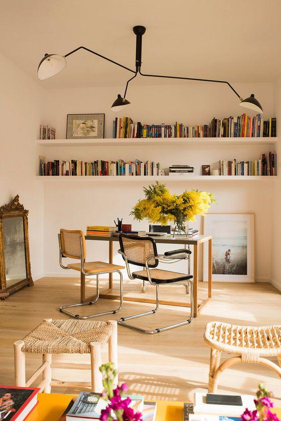 Silla Cesca en la casa del famoso Juan Moreno en Barcelona como silla confidente.
