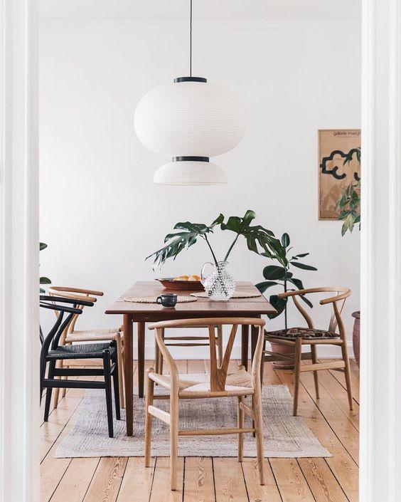 Silla Lyon en salón comedor de estilo nórdico