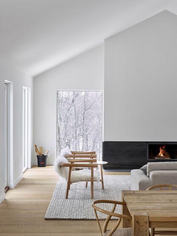 estilo nórdico en tu casa junto a sillas de madera