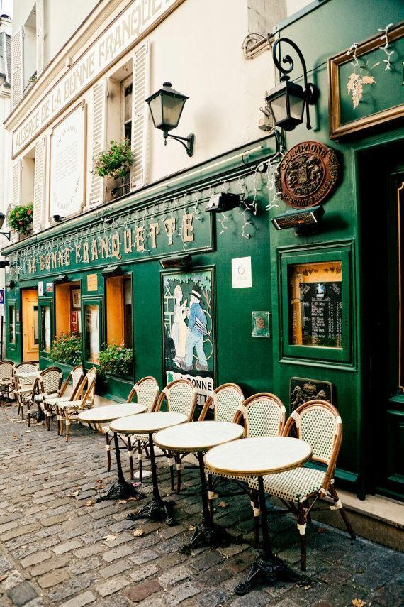 Café bistró estilo parisino
