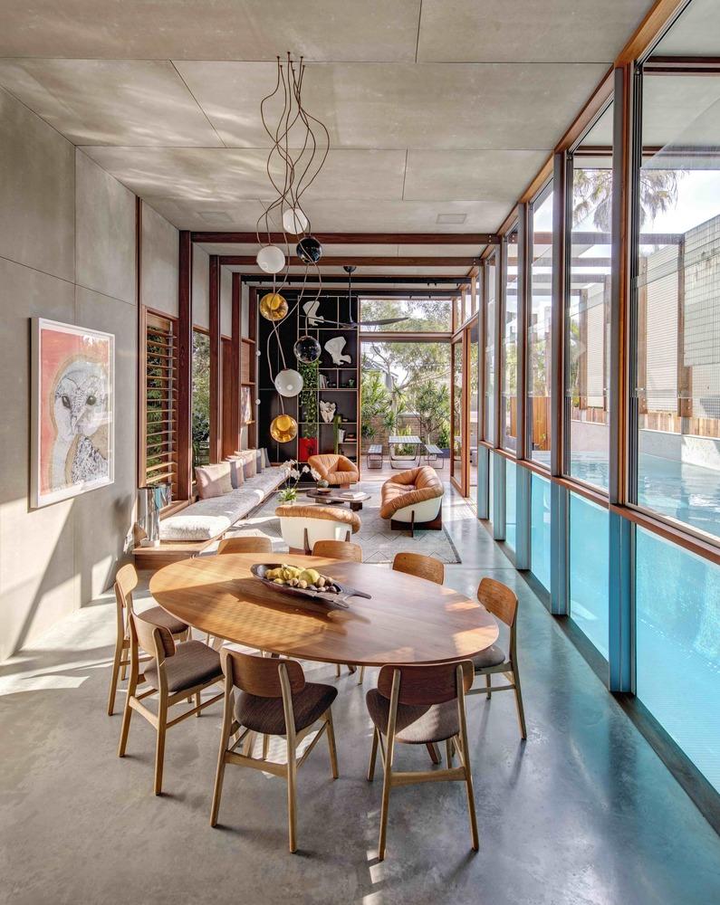 Comedor de casa con estilo mid century modern