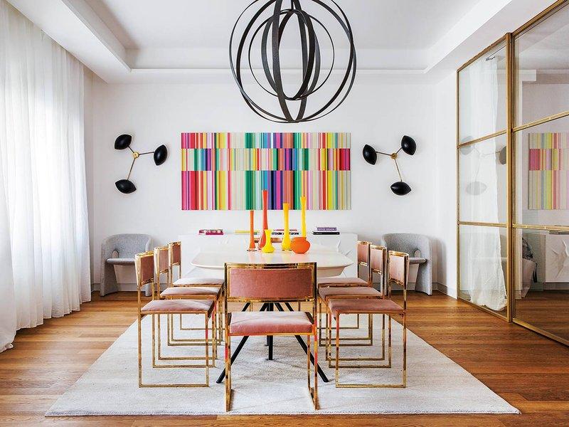 Comedor rectangular con sillas de comedor de rizzo de terciopelo rosa