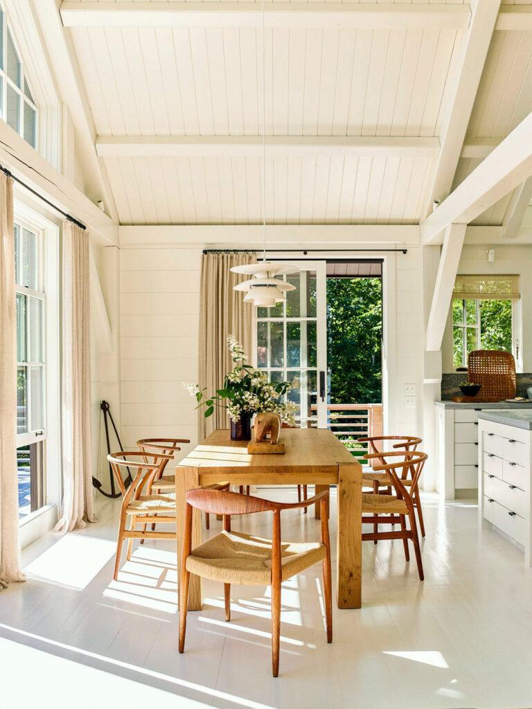 preciosa mesa y sillas de comedor de madera natural